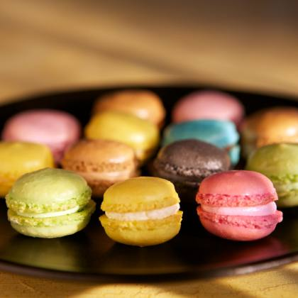 Colours of the rainbow  You also eat with your eyes!  Aromatic is launching a number of azo-free food grade colours, that are new in our palette:  * Pink * Purple * Black * Orange  Perfect for your macrons